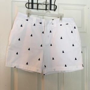 Tommy Hilfiger white shorts embroidered sailboats